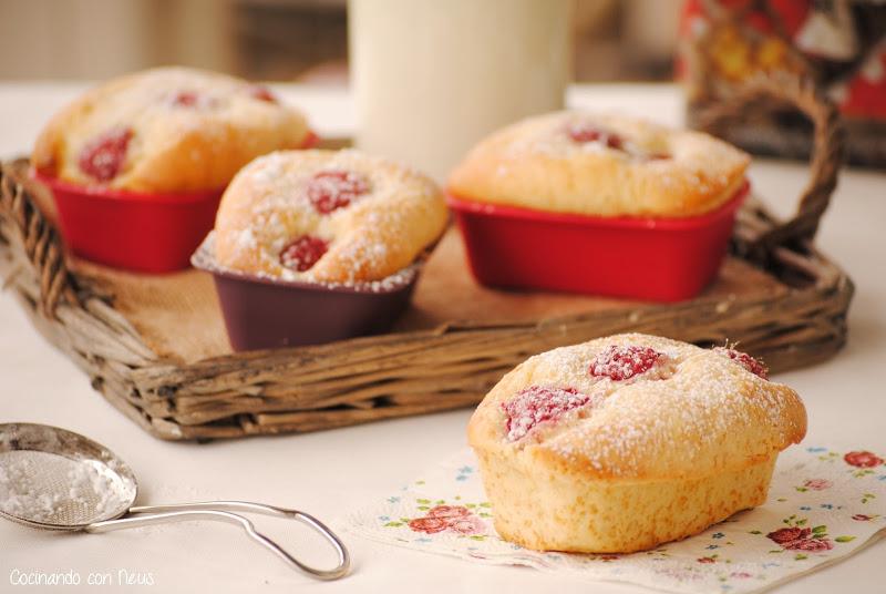 Mini cakes de frambuesas para el desayuno-cocinando-con-neus