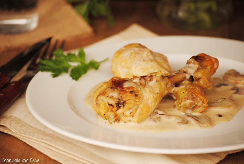 Jamoncitos de pollo con salsa de champiñones-cocinando con neus