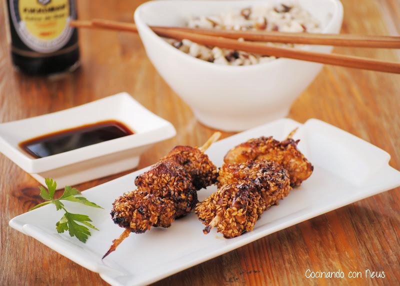 Brocheta de pollo con soja y sésamo-cocinando-con-neus
