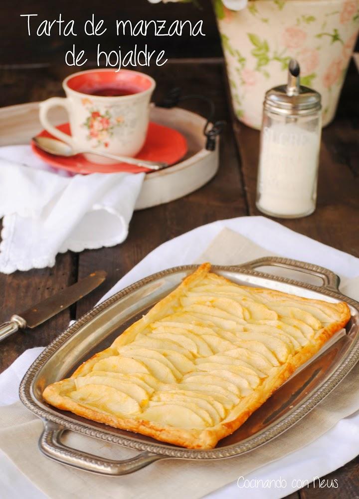 Tarta fácil de hojaldre con manzanas y mermelada de melocotón