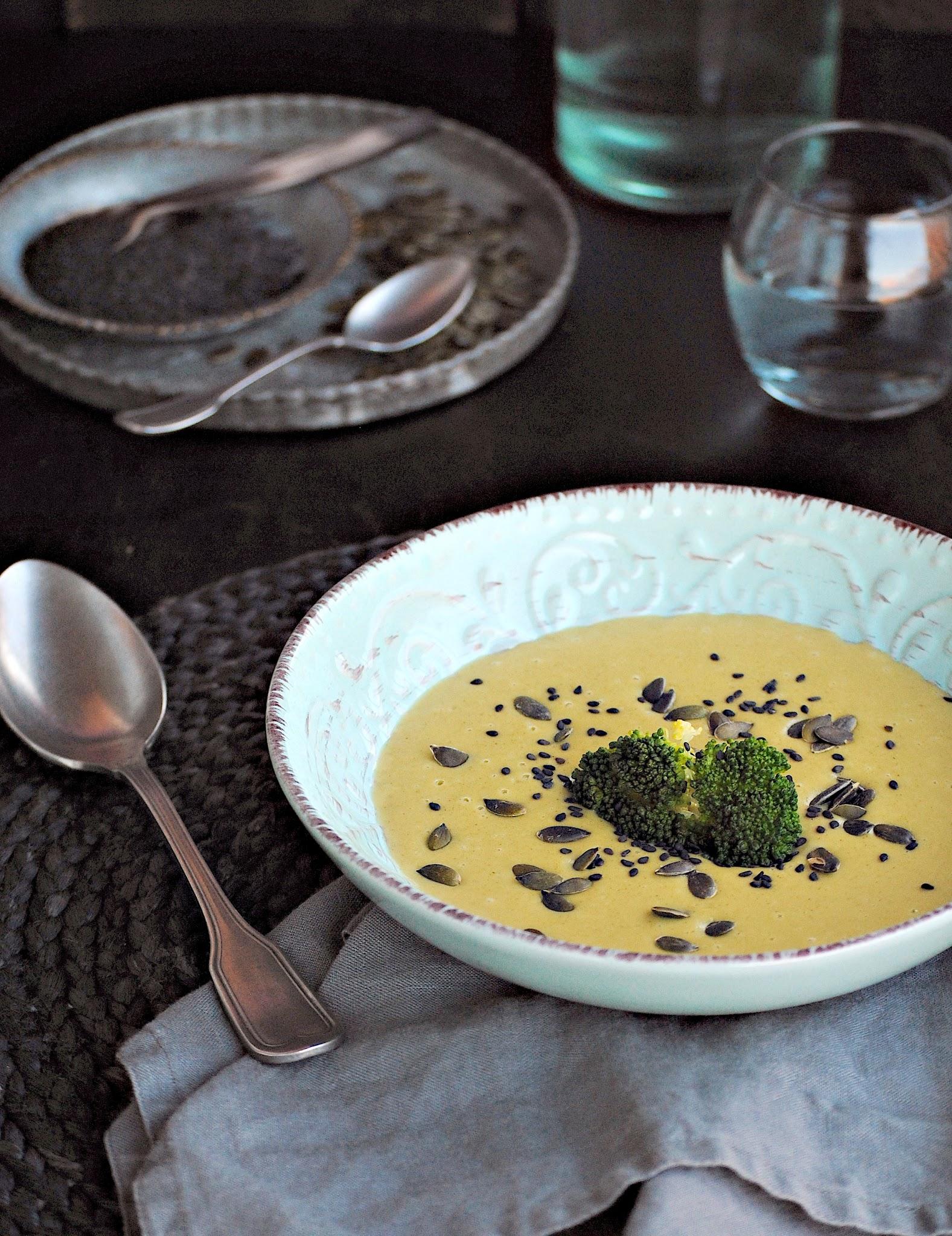 Crema de brócoli con sésamo con Thermomix