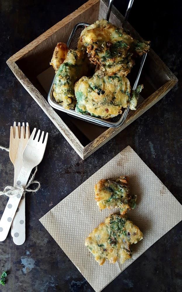 Buñuelos de kale con chesse blue