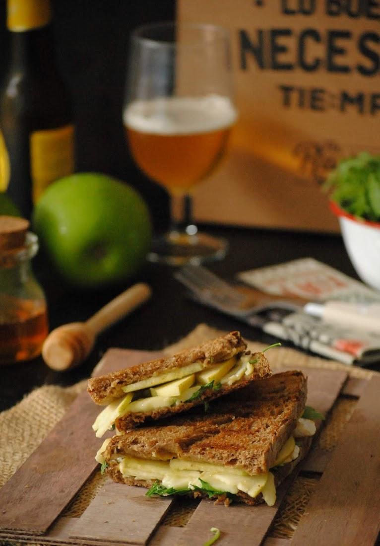 Sandwich de brie y manzana