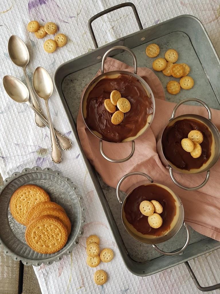Crema de galletas María con chocolate