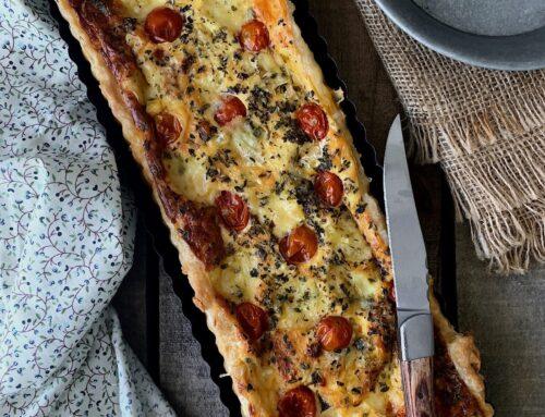 Tarta de puerros y tomates cherry con queso azul