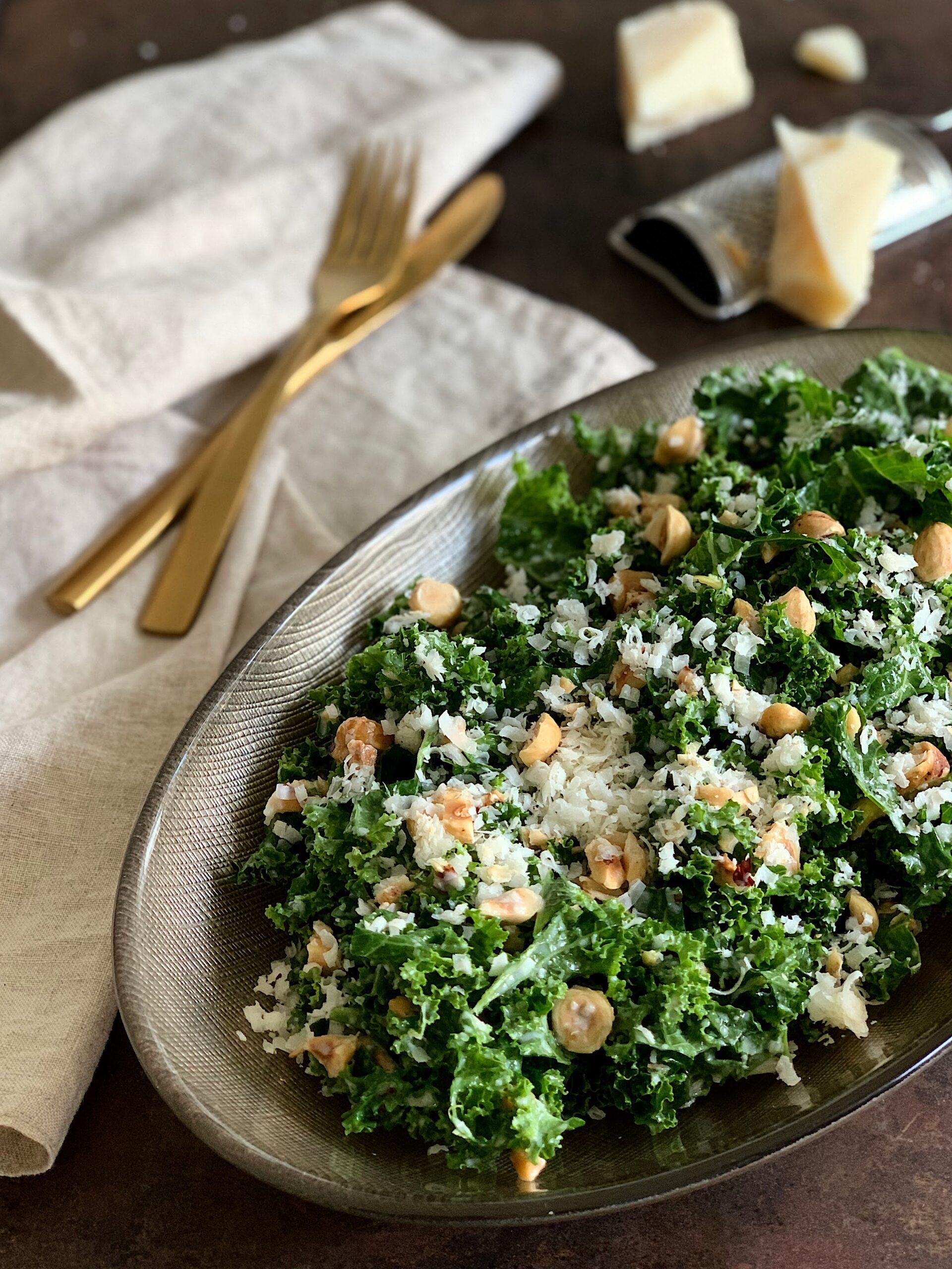 Kale con aliño de avellanas