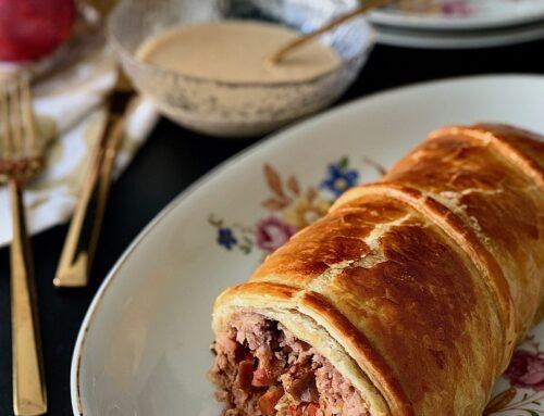 Hojaldre relleno de carne picada con setas al Pedro Ximénez