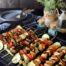 Brocheta de cpollo con verduras mostaza y miel