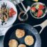 Tortitas con bebida y harina de avena